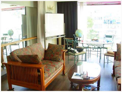 T-Place chatting cafeでリラックスしながら英会話を楽しもう!
